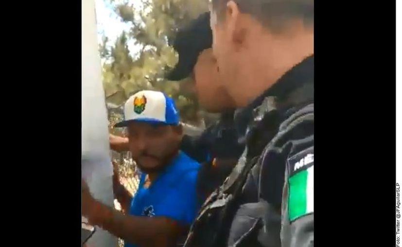 Carrizales acreditó que era diputado, por lo que lo dejaron libre. (Agencia Reforma)