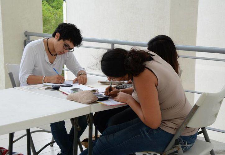 Esperan que las universidades den el número de emprendedores. (Tomás Álvarez/SIPSE)