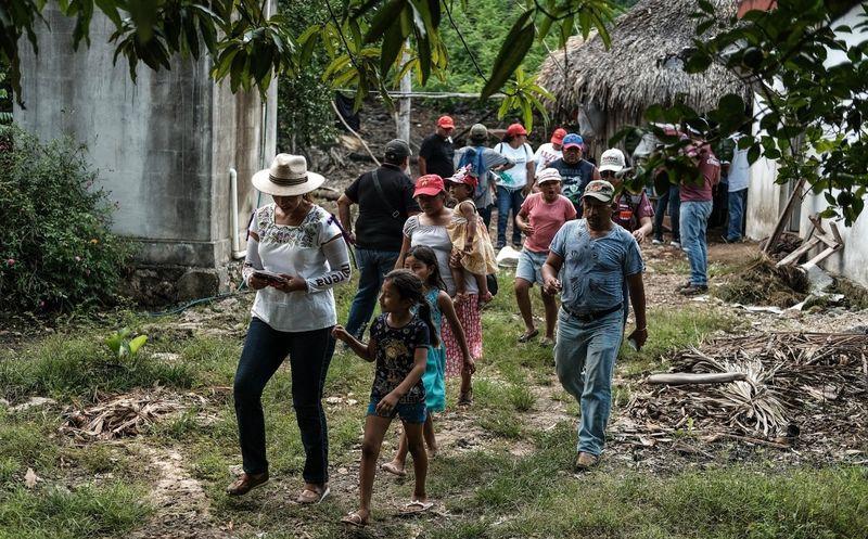 Marybel Villegas Canché agradeció el voto de confianza que los quintanarroenses le están dando y se comprometió a 'no fallarles' en el Senado. (SIPSE)