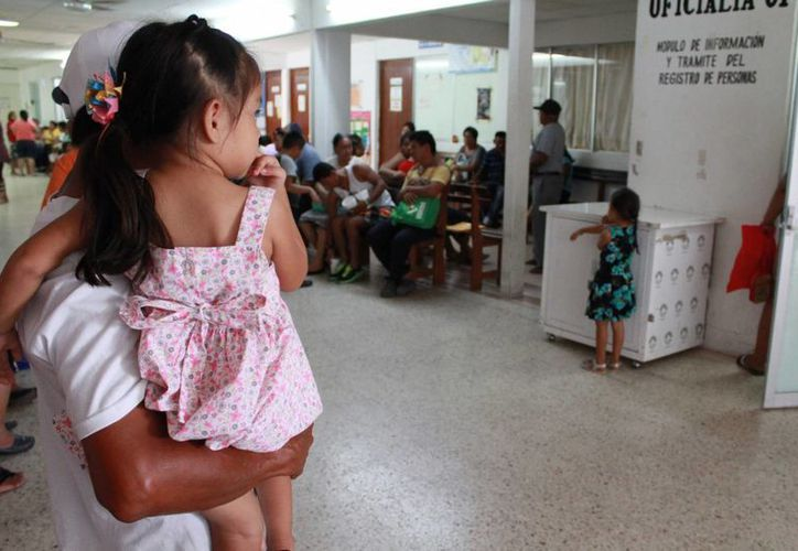 Se recomienda cuidar la salud de los niños desde los primeros años de vida. (Luis Soto/SIPSE)
