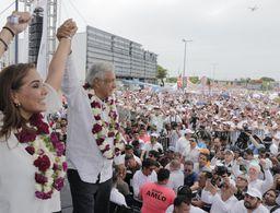 Mega cierre triunfal de Mara y AMLO en Cancún