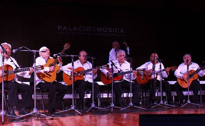 Cumple la agrupación 53 años de fundación (Foto:Novedades Yucatán)