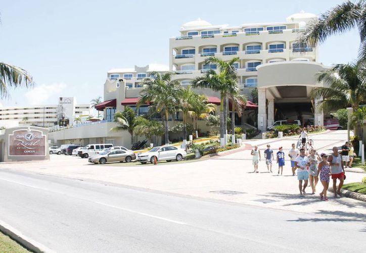 La unión empresarial no provocará que los inmuebles de Real Resorts cambien de nombre. (Archivo/SIPSE)
