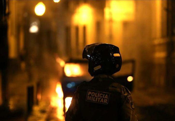 La policía brasileña informa que enfrentó una banda 15 hombres fuertemente armados que dinamitaron un cajero automático en el estado de Minas Gerais. (EFE/Archivo)