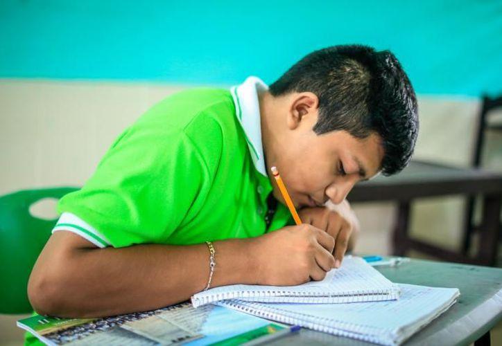 Aún quedan 15 mil 381 lugares disponibles para los estudiantes que por alguna razón no alcanzaron cupo a través del Exani I. (Novedades Yucatán)