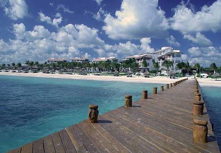 Para este verano se espera una derrama económica de mil 500 millones de dólares en los centros turísticos de Quintana Roo. (Foto de Contexto/Internet)