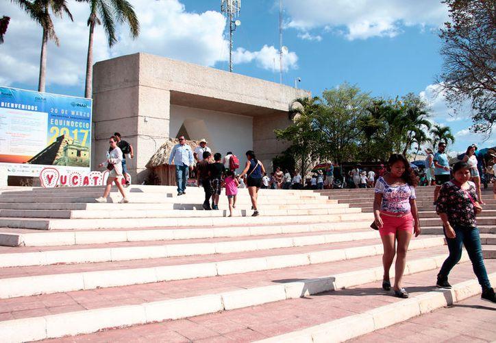 El Gobierno invertirá en el parador turístico de Chichén Itzá 71 millones de pesos. (Milenio Novedades)
