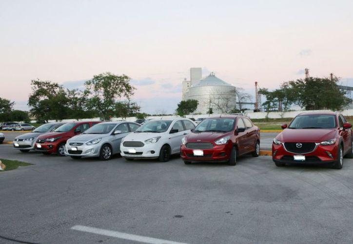 La Policía Investigadora logró la recuperación de seis vehículos: Volkswagen Gol, Hyundai Attitude, Fiat, Mazda CX5 y dos Ford Figo. (SIPSE)
