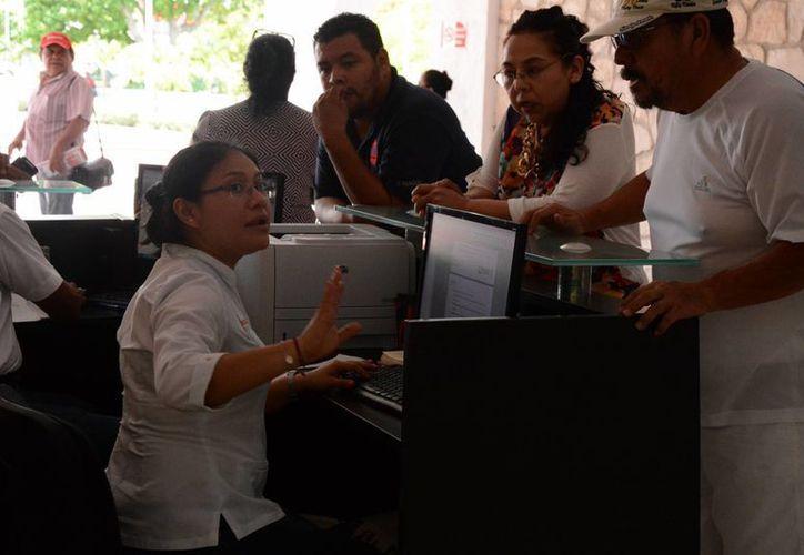 Servicios domésticos remunerados; agropecuarios; y empresas, gobierno e instituciones, son las tres definiciones de empleos sin prestaciones. (Victoria González/SIPSE)