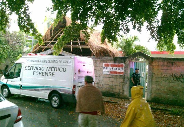 El Servicio Médico Forense llegó hasta el domicilio para levantar el cuerpo, y dar aviso a los familiares. (Redacción/SIPSE)