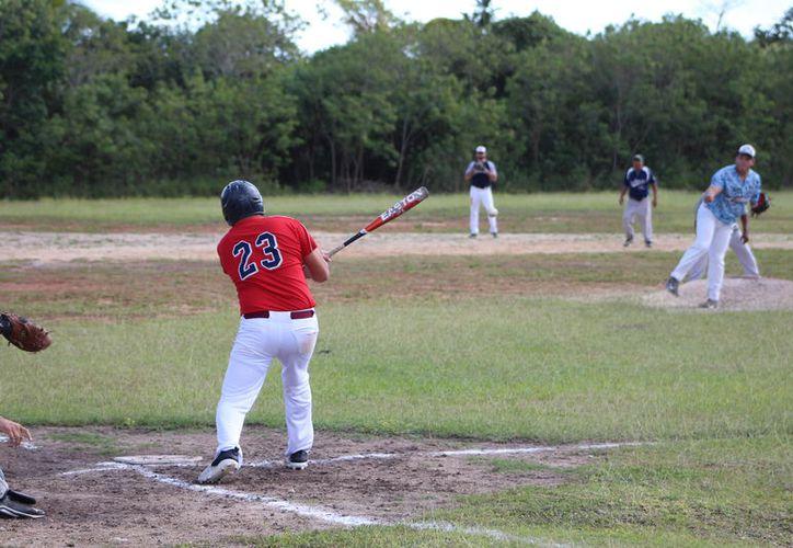 La segunda jornada de este Campeonato Municipal de Béisbol de Segunda Fuerza, trajo consigo excelentes encuentros. (Miguel Maldonado/SIPSE)