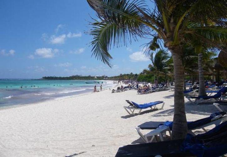 El menor de edad fue hallado sin vida en la zona de playa del hotel donde se hospedaba. (Cortesía)