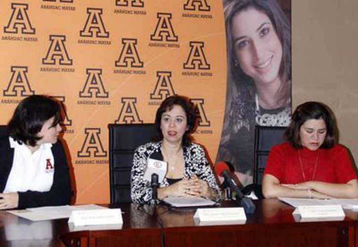 Personal directivo de la Universidad Anáhuac-Mayab en conferencia de prensa. (Juan Albornoz/SIPSE)