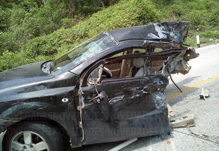 El vehículo en el que viajaba en deportista con discapacidad, fue prácticamente partido en dos. (Foto: Eddy Bonilla)