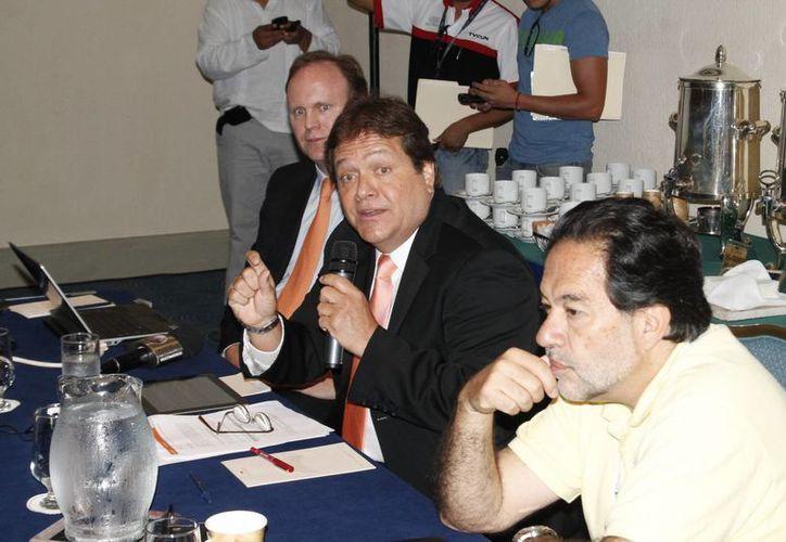 Especialistas durante el Congreso de Oncología. (Jesús Tijerina/SIPSE)