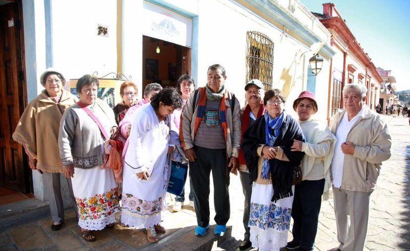 Un grupo de yucatecos participará mañana en el Encuentro de Familias con el Papa en Chiapas. (Luis Soto/SIPSE)