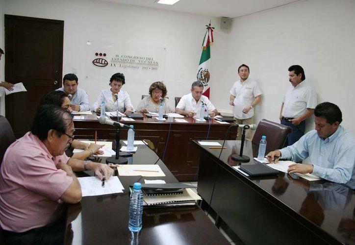 Diputados yucatecos durante el análisis de la iniciativa de Ley de Planeación. (SIPSE)