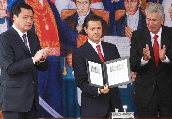 Peña Nieto canceló un timbre conmemorativo a los 250 años del natalicio de José María Morelos y Pavón. (Notimex)