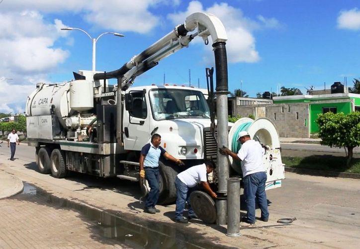 Los acumulamientos provienen de los negocios que están instalados en el primer cuadro de la ciudad. (Javier Ortiz/SIPSE)