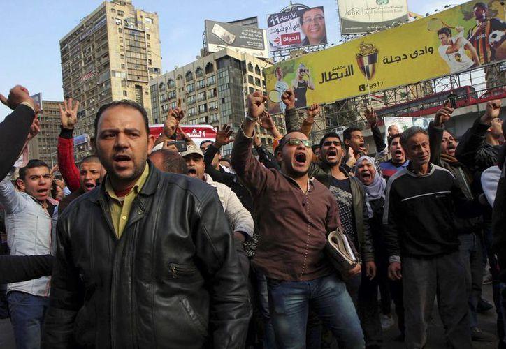 Las autoridades detuvieron a una docena de personas presuntamente miembros del grupo terrorista Hermanos Musulmanes, que participaban en una manifestación. (AP)