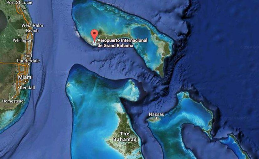 Imagen de contexto del lugar donde una avioneta se estrelló mientras intentaba aterrizar este domingo en la isla de Gran Bahama. (Google Maps)