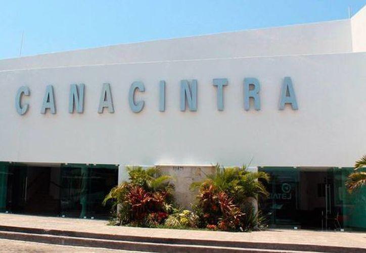 Empresarios afiliados a la Canacintra Yucatán demostraron, en un foro en Guadalajara, los casos de éxito de empresas familiares de Yucatán. (cancintrayucatan.org.mx)