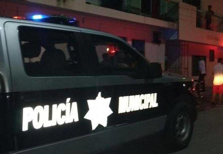 Un hombre que entró a robar a una vivienda fue golpeado por los dueños y vecinos de éstos, en la colonia Colosio de Playa del Carmen. (Redacción/SIPSE)