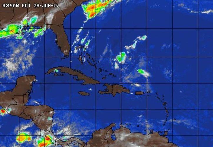 Este domingo será caluroso con probabilidades de lluvia. (trayectoriadelhuracan.blogspot.mx)