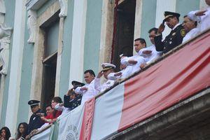 Marcialidad y disciplina en el desfile de la Independencia en Mérida