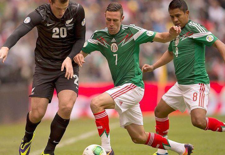 'El Negro' Medina (d) se quedará por lesión sin disputar el primer Mundial de su carrera. (espndeportes.espn.go.com)