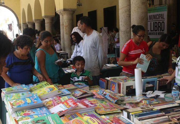 La LXIII edición de la Feria Municipal de Libro se inauguró este viernes y permanecerá abierta hasta el 9 de agosto. (Fotos: cortesía del Ayuntamiento de Mérida)