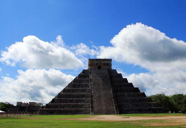 Investigadores analizan las interrogantes sobre si el Castillo de Chichén Itzá y el fenómeno que se presenta en el equinoccio es un evento astronómico o calendárico. (Milenio Novedades)