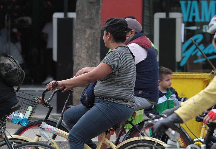 Para pacientes diagnosticados con obesidad grado 1 es suficiente modificar hábitos alimenticio y practicar ejercicio, apuntan especialistas. (Archivo/Notimex)
