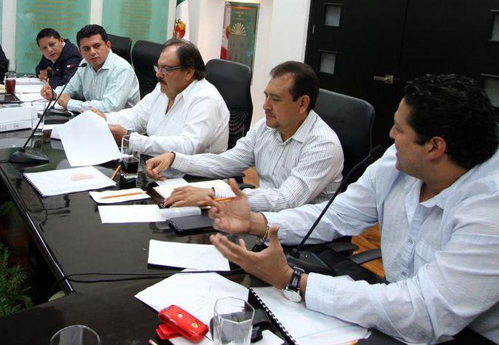 Comisión de Hacienda, Presupuesto y Cuenta de la XIII Legislatura local realizó una revisión para dictaminar la redistribución a las diferentes dependencias. (Redacción/SIPSE)