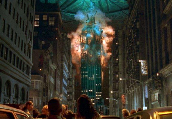 Los alienígenas vuelven más grandes y fuertes pero Emmerich. (Contexto/Internet)