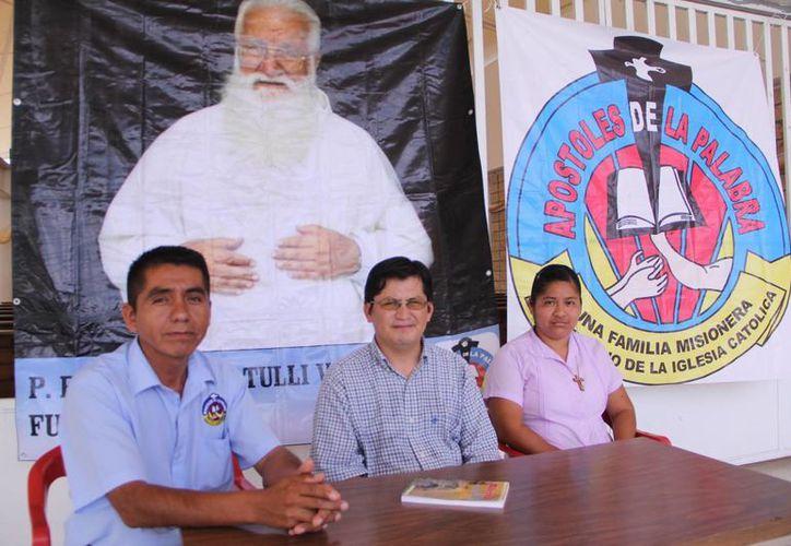 La Familia Misionera de los Apóstoles de la Palabra a Yucatán informó que su fundador, el padre Amatulli, visita el sureste del país evangelizando en la fe católica. (José Acosta/SIPSE)