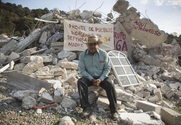 Las 38 hectáreas del pueblo de Xochichuautla fueron expropiadas en 2007, pero hasta 2015 comenzó a ejecutarse la construcción de una autopista. El encargado de la obra, Grupo Higa. (El País)