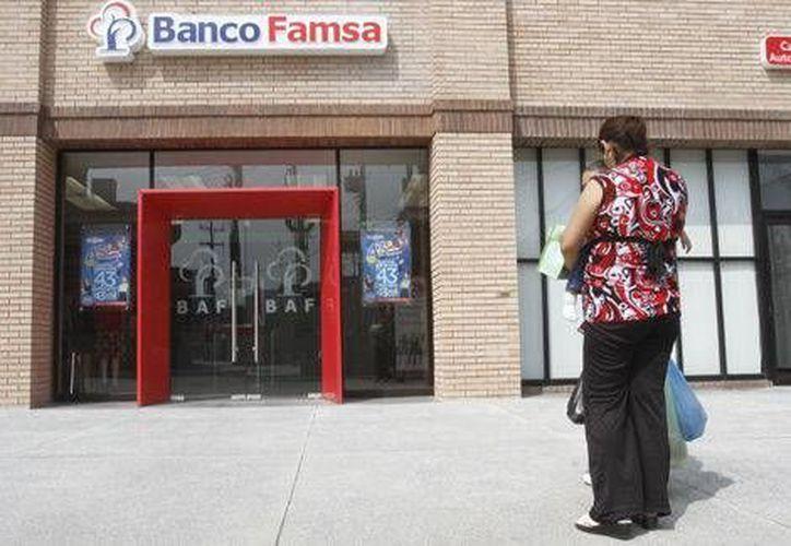 Ahorro Famsa pagó dos multas por omitir constituir provisiones preventivas adicionales al no contar con la consulta a una Sociedad de Información Crediticia, previo al otorgamiento del crédito. (Archivo/Milenio)