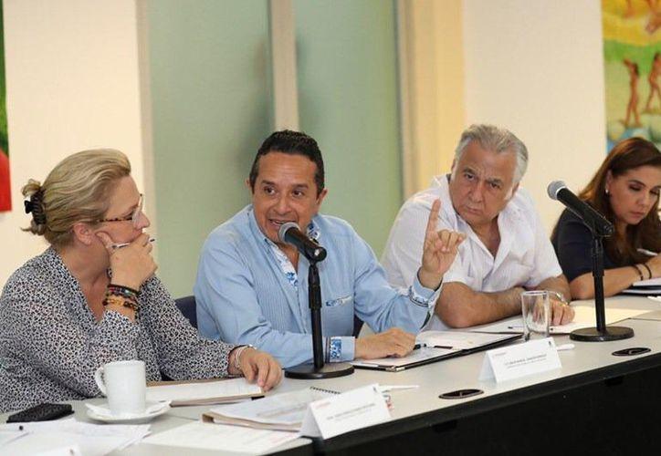 Estuvieron presentes empresarios y hoteleros, así como representantes de la Secretaría de Marina y de la Secretaria de turismo estatal, además del Gobernador del Estados y la Presidenta Municipal, Mara Lezama. (Redacción).