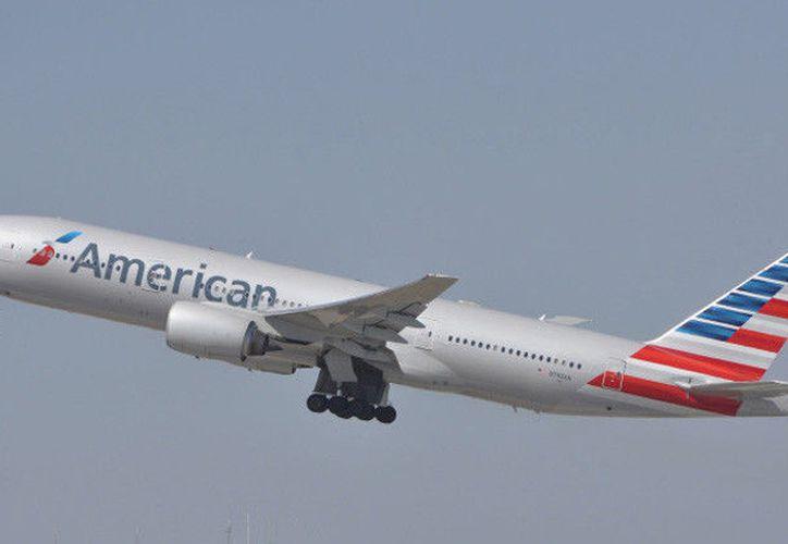 El avión terminó por despegar cuatro horas después de lo planeado. (José Gomez/RT)