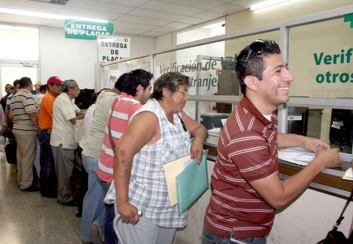 Las autoridades consideran probable que continúe el decreto de exención de tenencia en 2013. (Milenio Novedades)