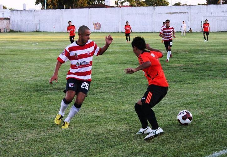 La escuadra capitalina se encuentra entrenando con todos sus jugadores para estar en óptimas condiciones y seguir en los primeros lugares. (Alberto Aguilar/SIPSE)