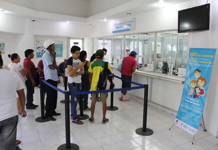 En el municipio capitalino hay tres mil 837 usuarios que presentan morosidad en sus pagos. (Joel Zamora/SIPSE)