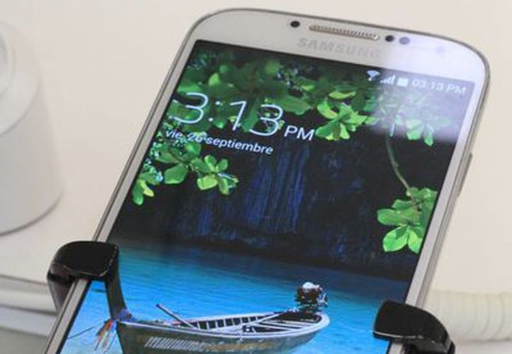 Es la combinación de los teléfonos celulares inteligentes y las tablets. (Sergio Orozco/SIPSE)