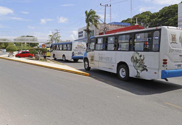 Desde hace dos semanas iniciaron los trazos en la avenida Tulum. (Jesús Tijerina/ SIPSE)