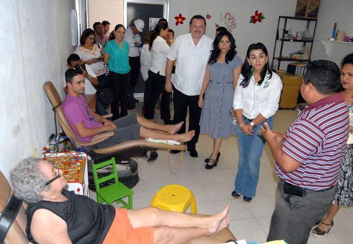 La presidenta del DIF estatal, Sara Blancarte de Zapata, recorrió las instalaciones del DIF en Valladolid. (SIPSE)
