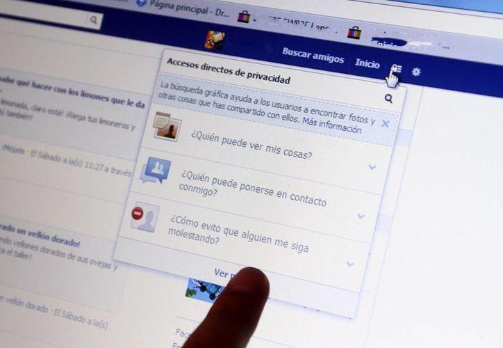 En Facebook, tu nombre, fotos de perfil y de portada, sexo, redes, nombre de usuario e identificador son datos que están disponibles públicamente. (Milenio Novedades)