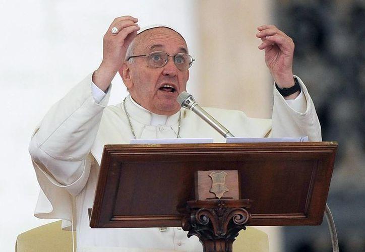 El Papa argentino, que por encima de los negocios, de la lógica y de los parámetros del mercado, está el ser humano. (Archivo/EFE)