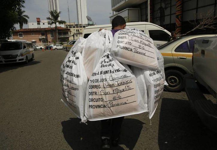 Los centros de votación abrieron a las 7:00 am del tiempo de Panamá. (AP)
