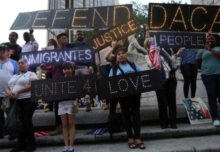 Diez activistas y 'dreamers' comenzaron desde hoy una huelga de hambre. (Reuters)